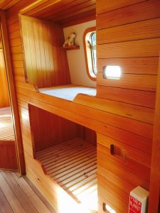 Built in childrens' bunk beds